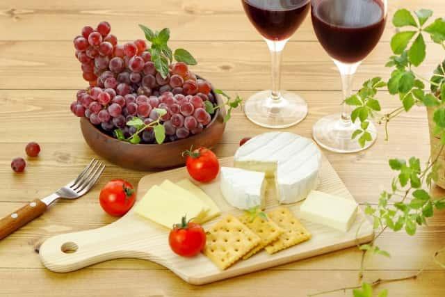 カマンベールチーズとワイン