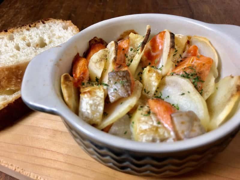 鮭とじゃがいものカマンベールチーズ焼き