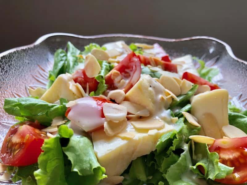 カマンベールチーズサラダ
