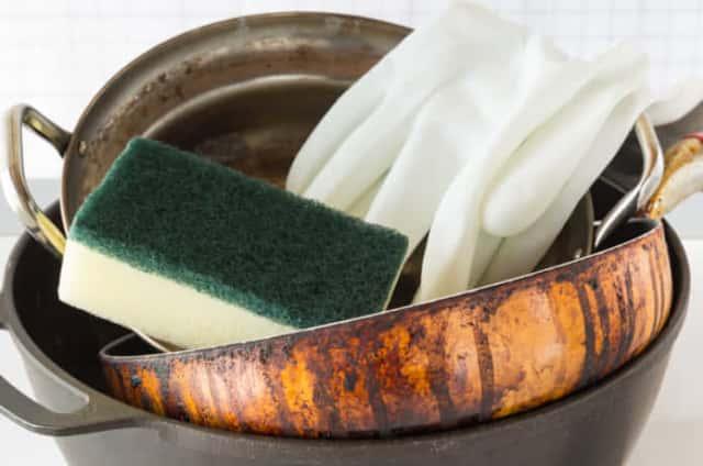 鉄のフライパンの洗浄