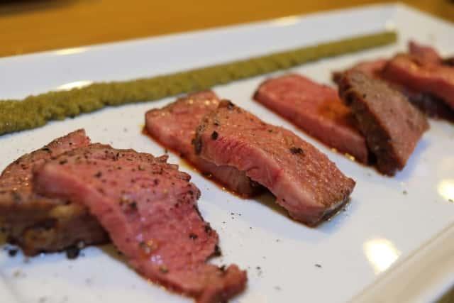 低温調理の肉料理
