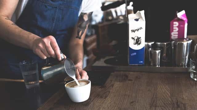 カフェにスチームミルクを追加