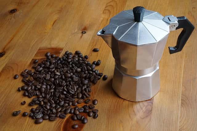マキネッタとコーヒー豆