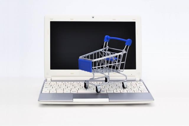 パソコンとスーパーのカート